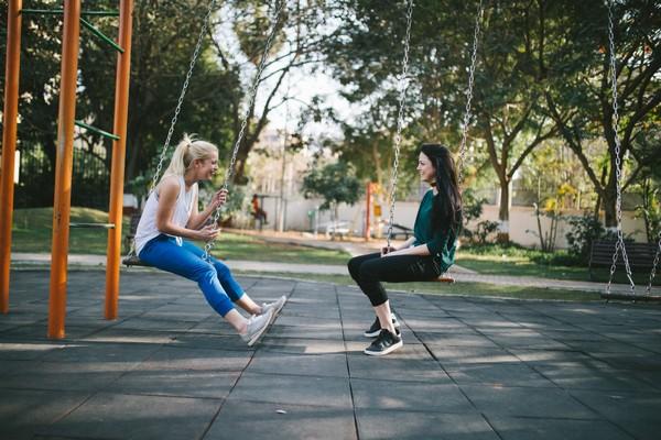 Is het gek om als volwassene te spelen, of juist heel leuk en gezond?